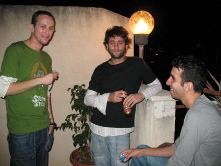מימין לשמאל - עוז, דן ודורון