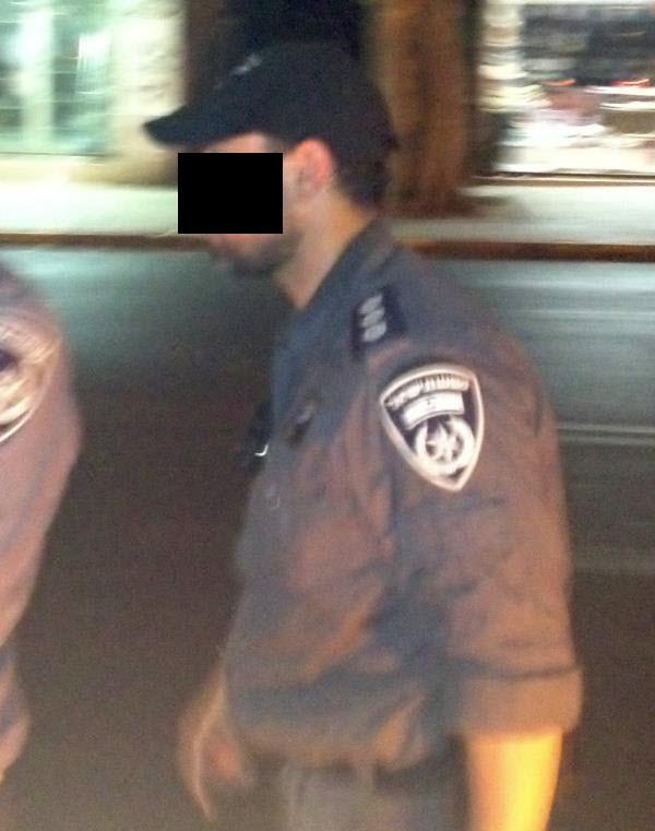 ויראלי בפייסבוק: אסף וייצן - השוטר הזה תקף אותי