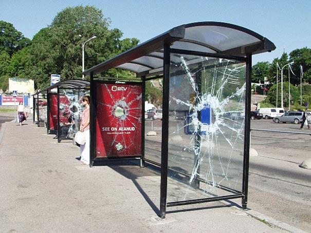 40 דוגמאות לפרסום קריאייטיבי וחכם בתחנות אוטובוס (33)
