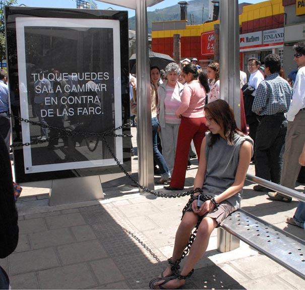 40 דוגמאות לפרסום קריאייטיבי וחכם בתחנות אוטובוס (37)