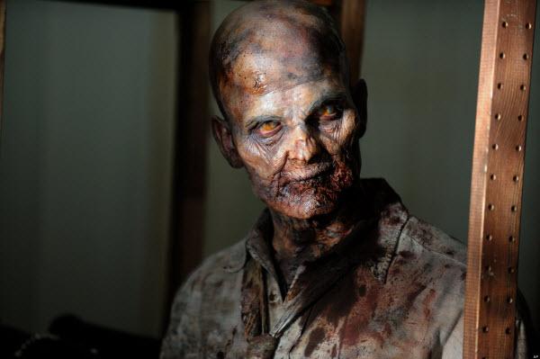 טריילר: המתים המהלכים עונה 4 כפי שהוצג בקומיק-קון 2013
