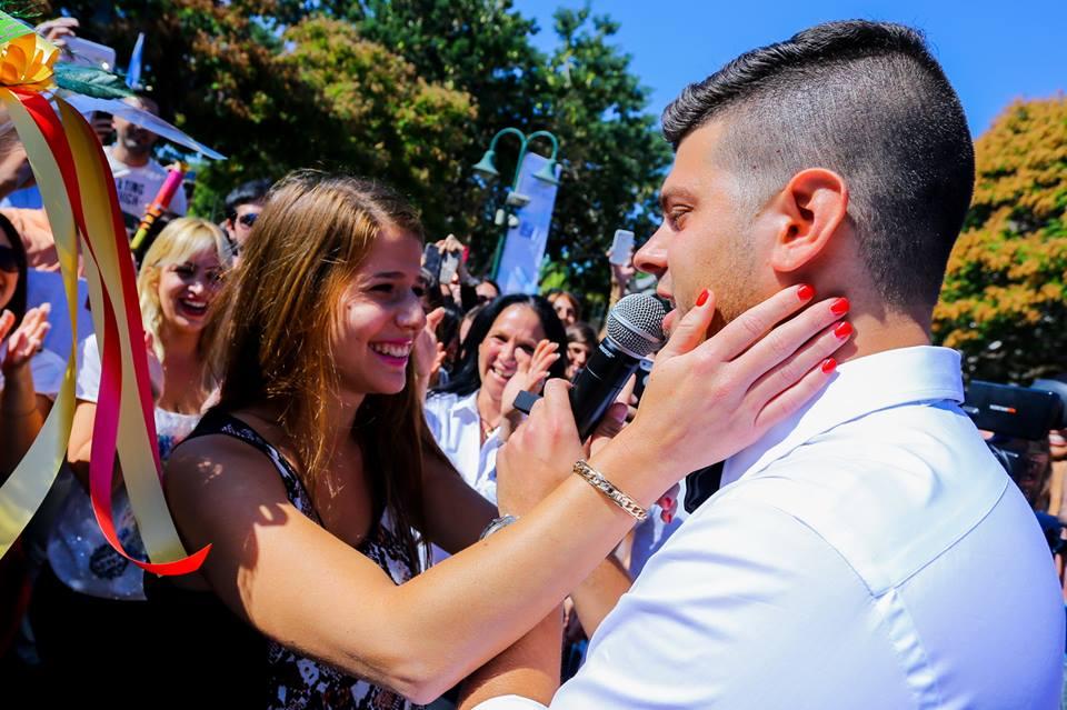 צפו: הצעת נישואין פלאש-מוב בהשתתפות 1500 איש היום במכללה למנהל