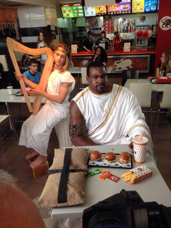 קמפיין: סופוקליס שחורציאניטיס והמיני המבורגרים של בורגר ראנץ'