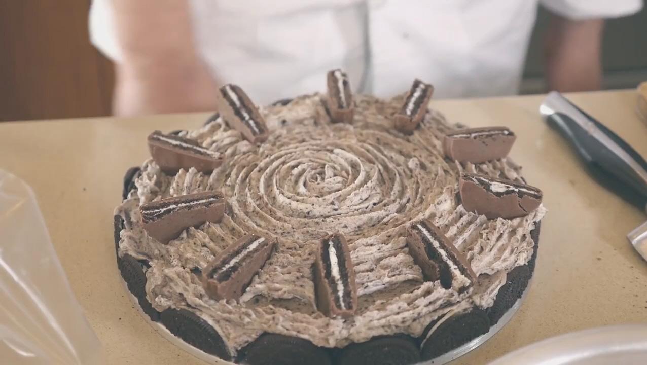 OREO CakeOver