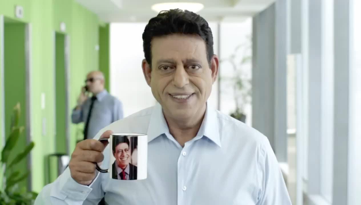 שימי תבורי צוחק על העיניים הגדולות שלו בקמפיין חדש ארטלאק אדוונס