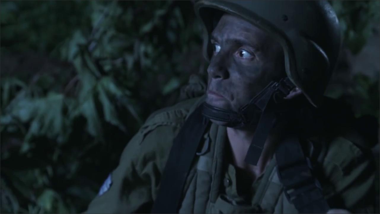 קופי שוט, מעיר אותך גם בצבא